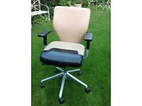 Office chair, comfortable, rotating, Free to collect