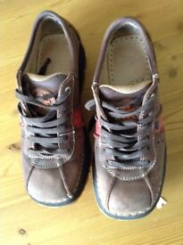 Great pair of art shoes size 6