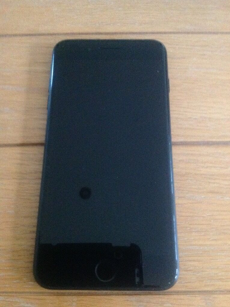 immaculate iphone 7 plus o2 32gb matt black only used 2 weeks inc charger and box in. Black Bedroom Furniture Sets. Home Design Ideas