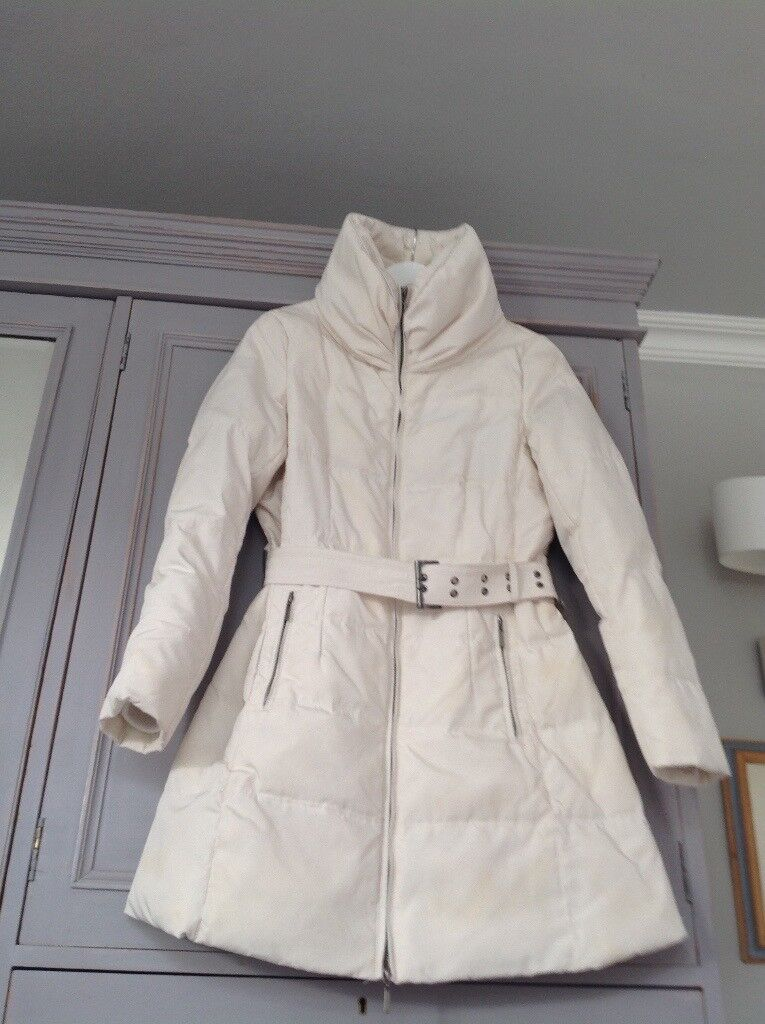 Warm and stylish down filled Zara coat in off white