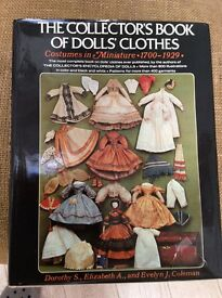 The collectors book of dolls clothes