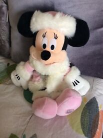 DISNEY STORE MINNIE MOUSE IN PINK, FLUFFY OUTFIT
