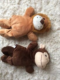 2x soft hand puppets excellent condition