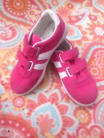 Girls Pink Trainers, UK 1.5