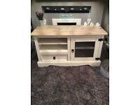 Beautiful shabby chic/farmhouse tv unit/stand/cabinet