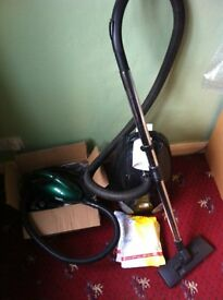 2 x Vacuum Cleaners ( VGC ) - bargain Both for £ 35