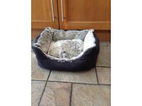 SOFT AND COSY DOG BED