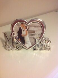 "New Silver Mr & Mrs Wedding 4"" x 4"" Photo Frame - Wedding/Engagement Gift"