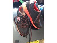 Heelys - Size 4 - Black and Red NEW