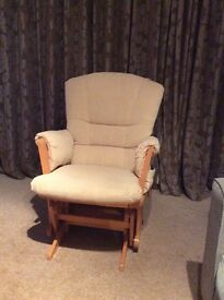 Dutailier lockable gliding and rocking nursery chair