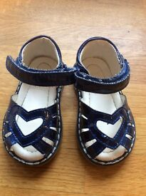 Toddler infant girls mothercare blue sandals size 2 - barely worn
