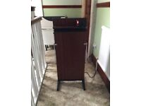 Corby Trouser Press never been used. Tested and working perfectly. In very good condition.