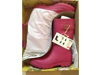 New boxed size 5 Joules Wellies