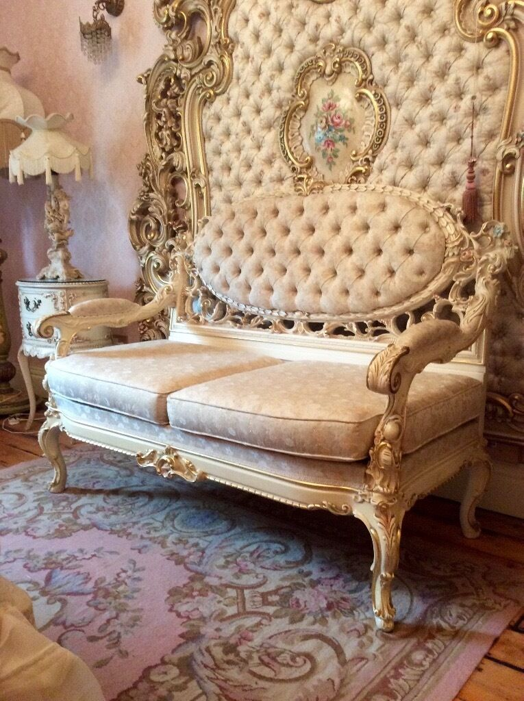 Ornate Italian Silik Sofa In Erdington West Midlands