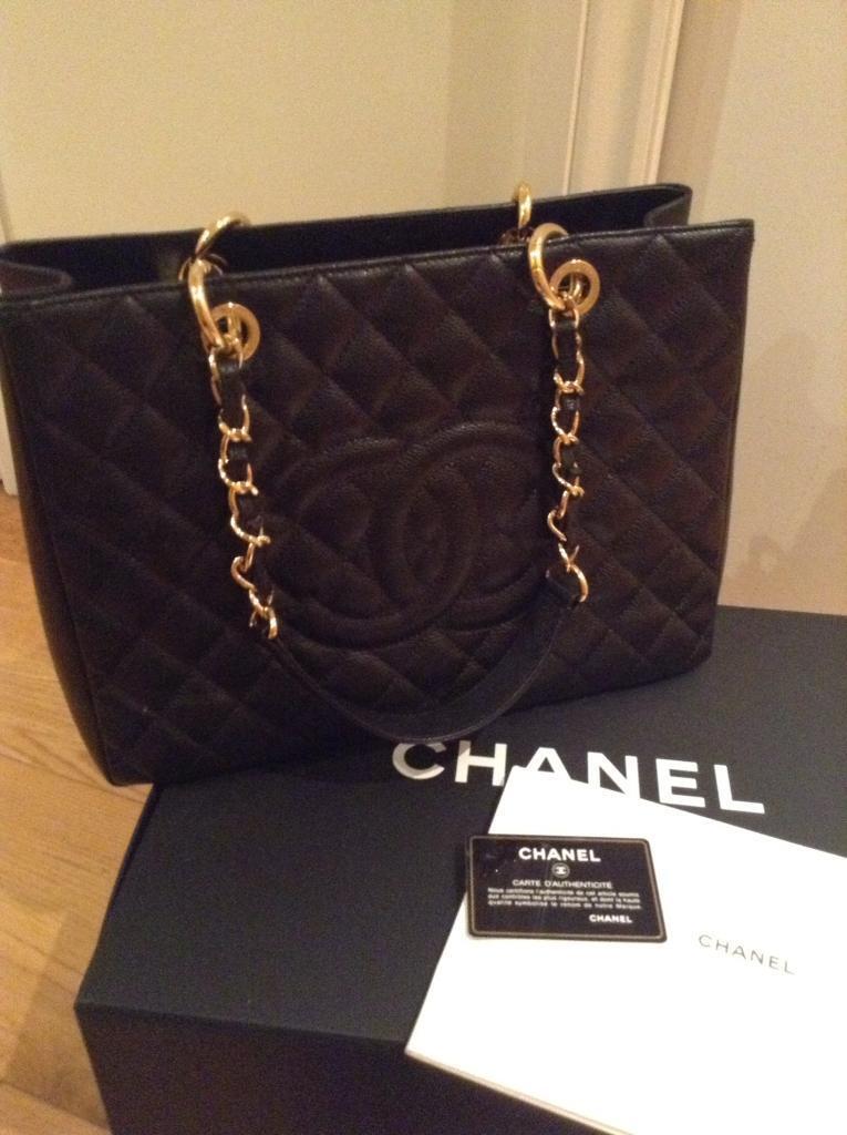 Chanel grand tote bag