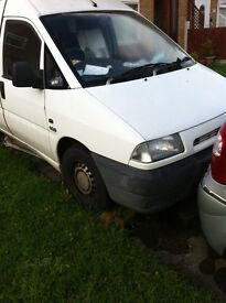 Van Citroen Dispatch for sale. 1999, T reg. 1.9 L, starts & runs very well, needs MOT & windscreen.