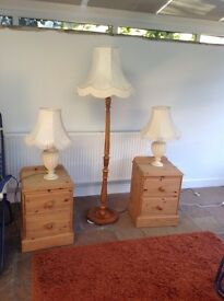 Standard lamp and 2 table lamps.