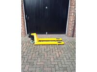 Pallet truck which has been reconditioned serviced and resprayed by CHP Pallet Trucks.