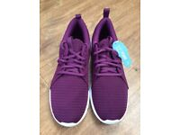 Gorgeous Puma Carson Trainers - Brand New in Box - Size 7.5