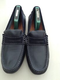 MENS LEATHER NAVY LOAFERS