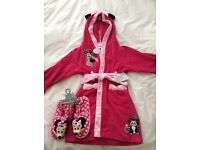 NEW - Disney Minnie Mouse dressing gown and matching slippers.