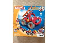 Meccano build and play