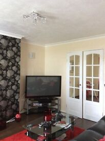 3Bed Semi Detached House in Bedgrove Aylesbury next to Bedgrove Park