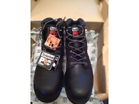 Timberland mens boots brand new still boxed.