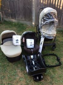 Graco EVO Travel system in Sand- Including EVO buggy, carrycot, junior car seat and in car seat base