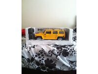 BRAND NEW BOXED RC CAR HUMMER YELLOW HUGE 1:10 SCALE 55CM LENGTH WITH RECHARGEABLE BATTERY