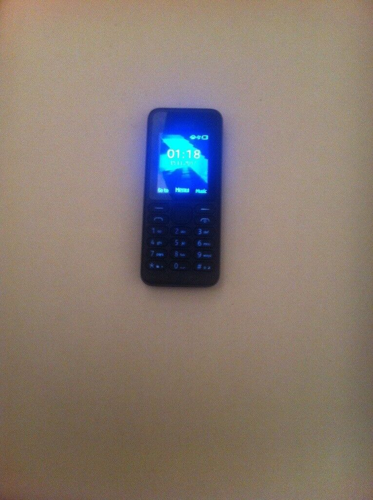 Nokia rm-1037 mobile phone on fully working order on (02)