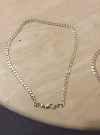 Gold necklace for sale its 21 or 22 inch long and weighs between 30-33grams