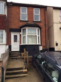 4 bed semidetached house suitable for students available from 1 Sept