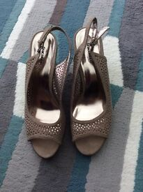 LADIES TAUPE WEDGES - SIZE 6