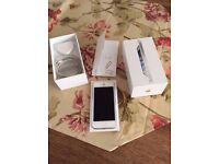 Apple iPhone 5 16GB (White n Silver) **UNLOCKED** in Perfect Working Order.