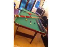 1 Snooker Table / Pool Table and Equipment and Riley ROS Cues (3 pieces) with sight Right & Pool Bal
