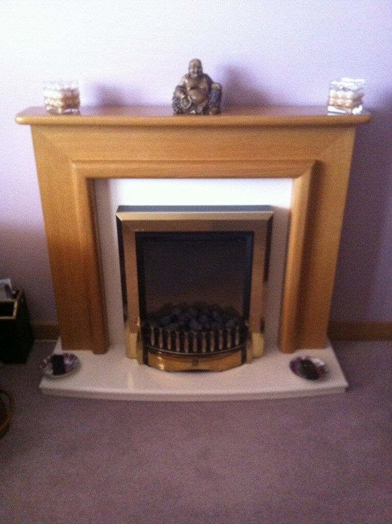 Electric fireplace with OAK surround ***REDUCED PRICE***MUST GO ASAP!!
