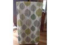 Green leaf patterned curtains