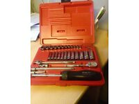 "SNAP ON 1/4"" 31 PIECE METRIC GENERAL SERVICE SET NOT USED"