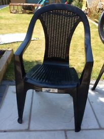 6x black patio chairs + table