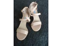 DUNE cross-strap block heel sandals Size 5/38
