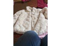 Little girls coat age 3 to 4 from Asda lovel little girls for age 3 to 4 from Asda lovely coat..