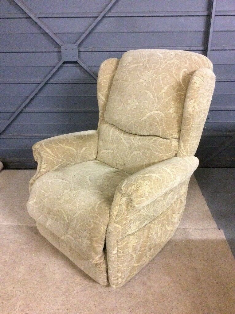 Lazyboy recliner chair in good condition