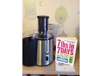 Andrew James juicer with Jason Vale book