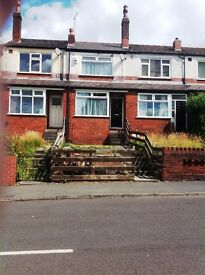 **2 BED SPACIOUS STUDENT HOUSE ** SUBERB LOCATION** NOT TO BE MISSED*