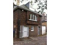 Charming 3 bedroom detached mews house in the heart of Park District with own garden