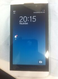 Blackberry Z10 White 16GB good condition only £65