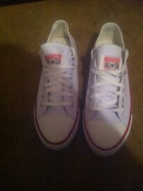 Converse trainers size 8 brand new