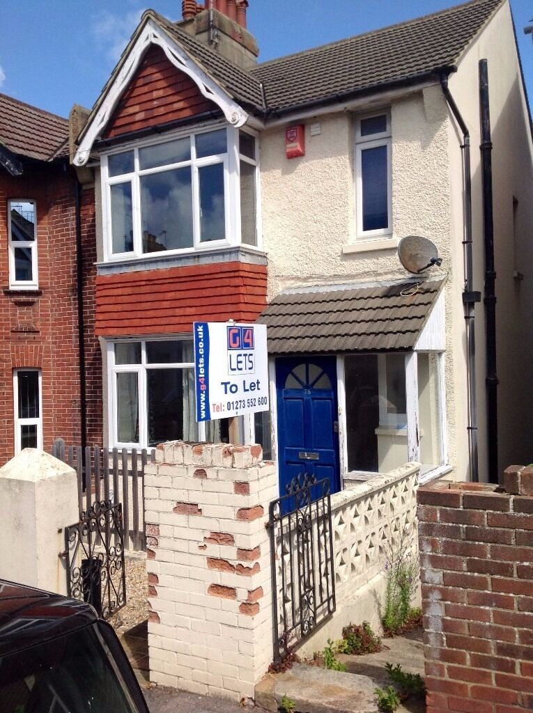 Individual short term lets in 6 bedroom house - Hartington Road area REF:75