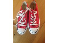 Converse Pumps Red size 3